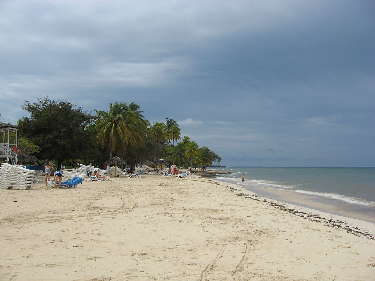 Guardalavaca_beach